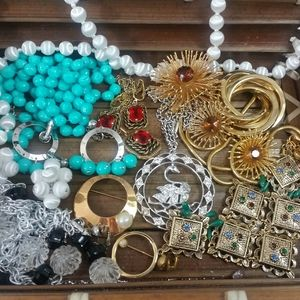 Vintage lot sarah coventry 60s Treasure se…